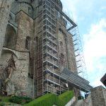 Ponteggio sulla Sacra di San Michele